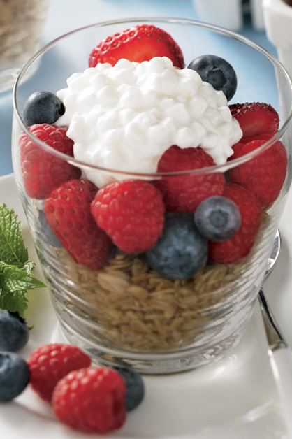 Berry Breakfast Parfait with Cottage Cheese
