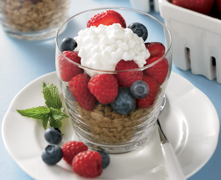 Click to open Berry Breakfast Parfaits recipe