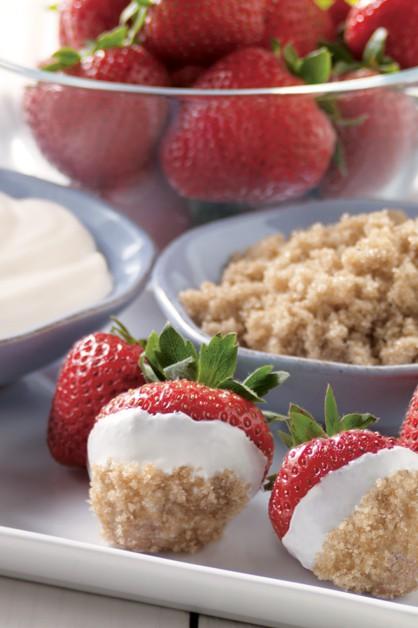 Brown Sugar Berry Dip Recipe With Sour Cream Daisy Brand