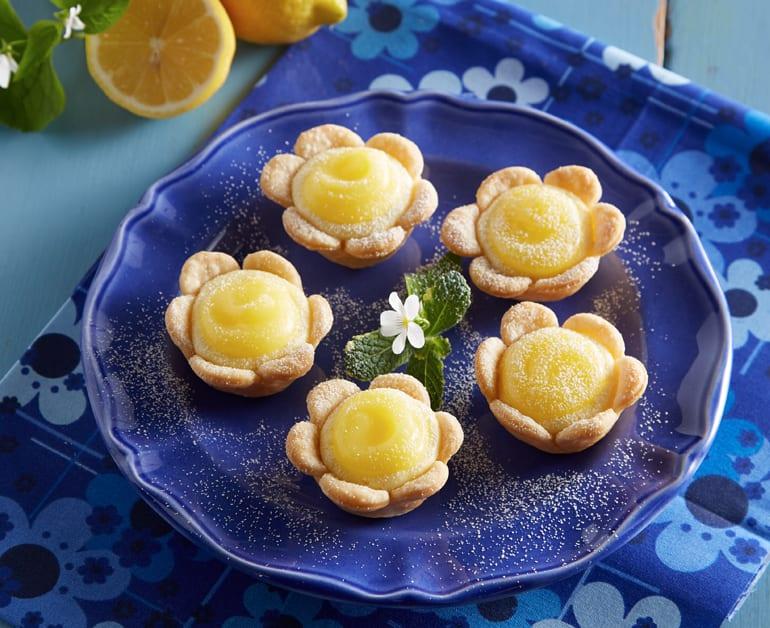 View recommended Mini Lemon Cheesecake Tarts recipe