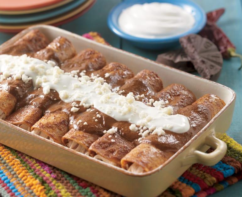 Enchiladas de Mole con Pollo slider image 1