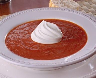 Sopa de Tomate con Chiles Rojos Asados y Ajo slider image 1