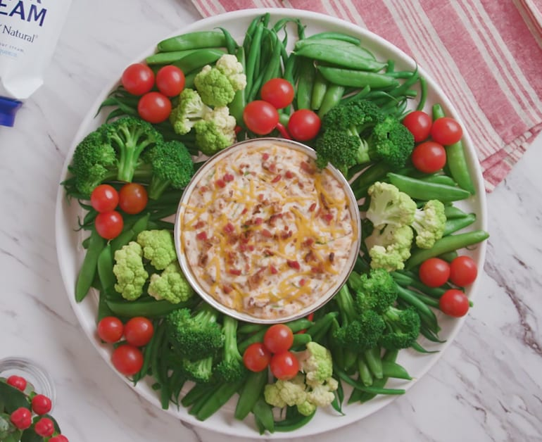 View recommended Baked Potato Sour Cream Dip recipe