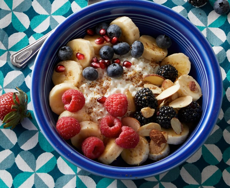 Click to open Banana and Berry Breakfast Bowl recipe