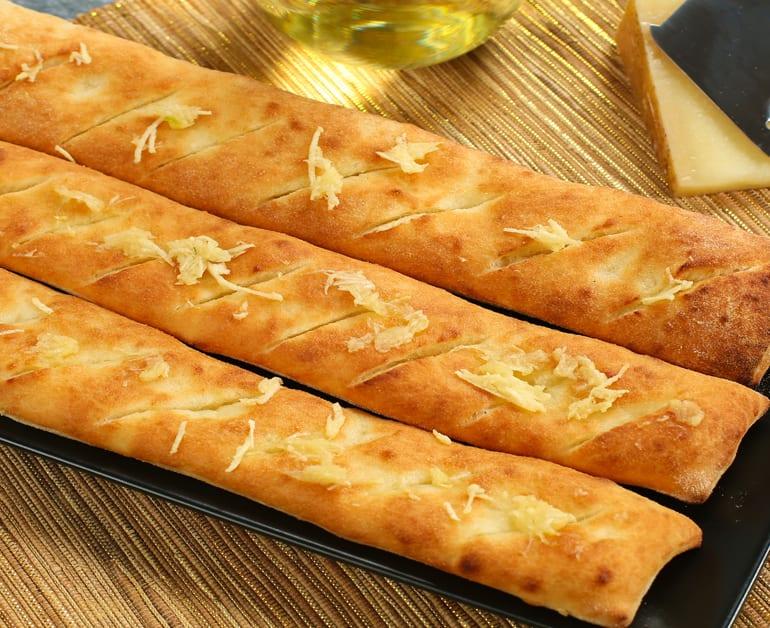 Easy Breadsticks slider image 1