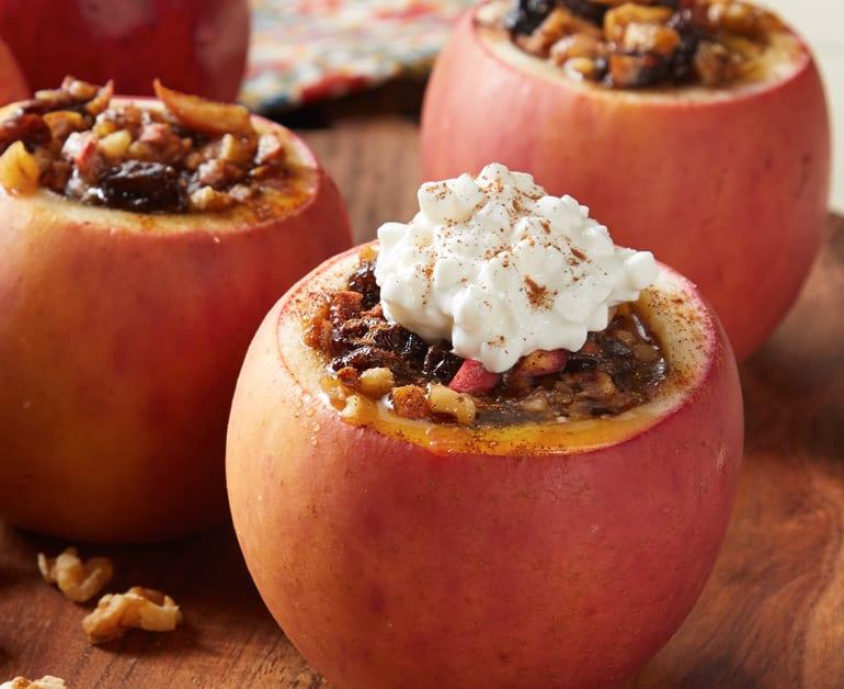 Cinnamon Raisin Baked Apples slider image 1