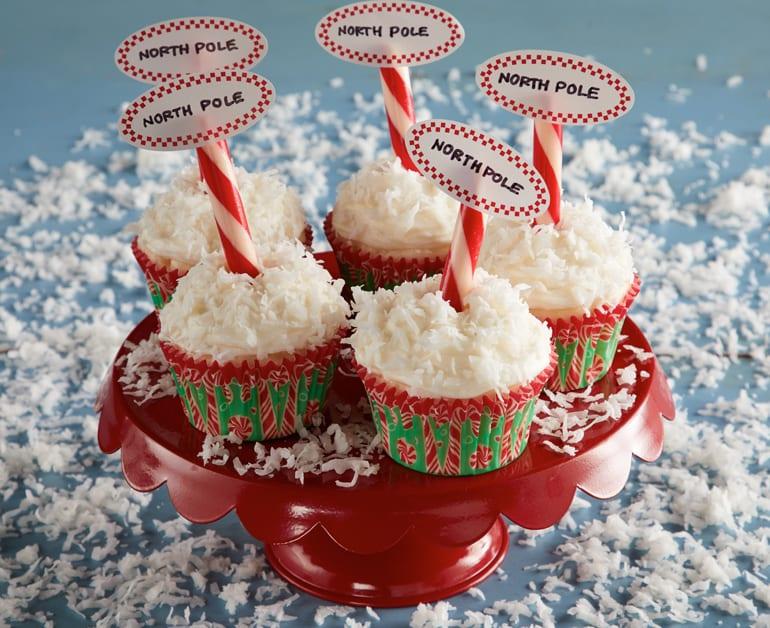 Coconut Snowflake Cupcakes slider image 1