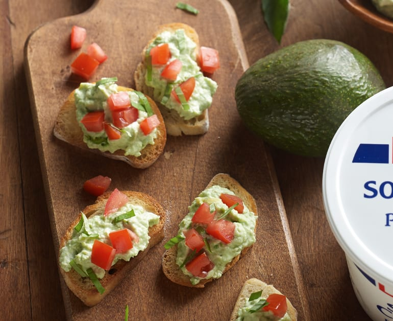 Creamy Guacamole Bruschetta slider image 1