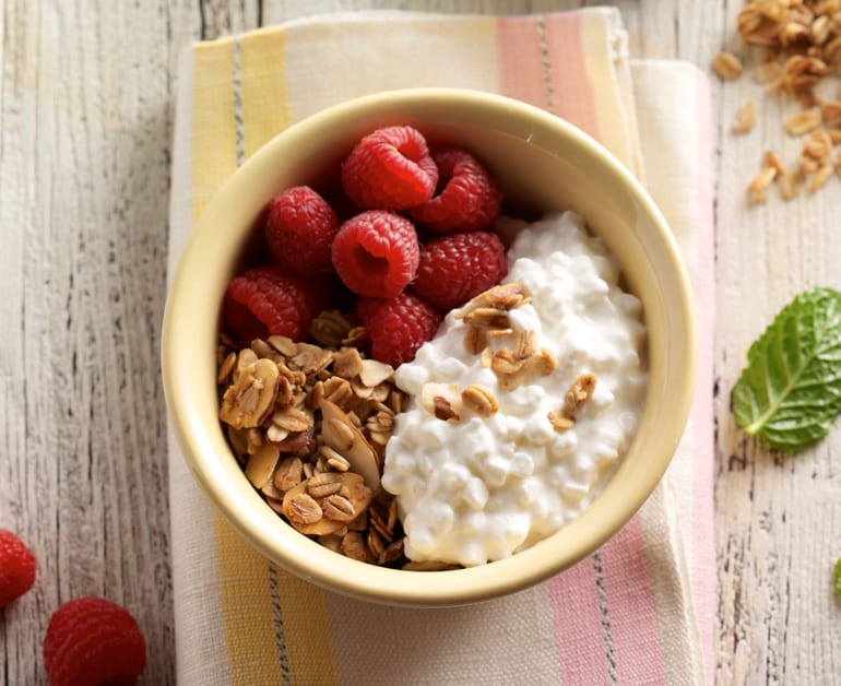 Raspberry granola breakfast bowl