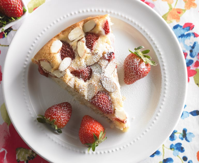 View recommended Strawberry Almond Cake recipe