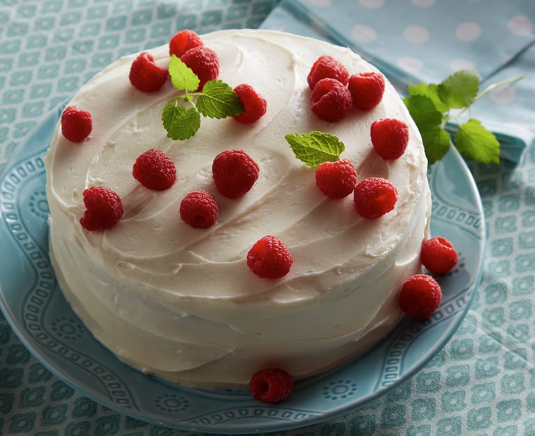 View recommended White Sour Cream Layered Cake recipe