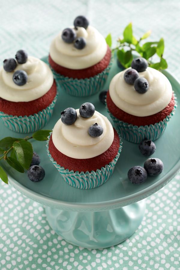 Daisy Sour Cream Red Velvet Cupcake