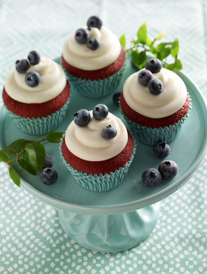 Daisy Sour Cream Red Velvet Cake slider image 3