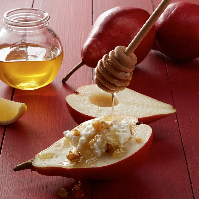Fresh Pears with Honey and Walnuts