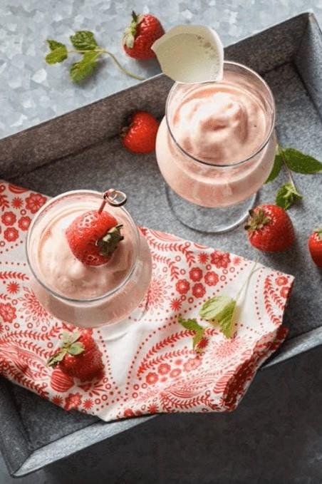 Strawberry Mango and Honey Smoothies